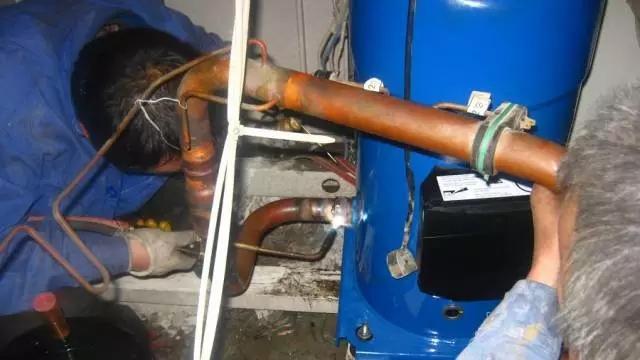 空调出现跳闸怎么解决?