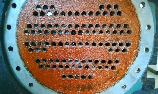 若冷冻水浑浊,同时端温差>5℃,可确认该换热器壳管结垢。