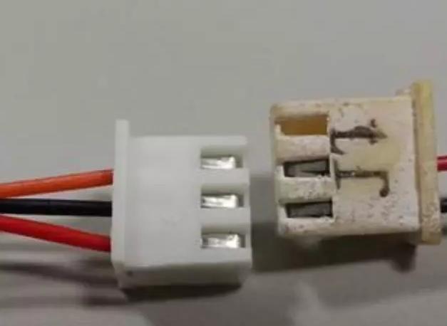 检查通讯线端子是否可靠插装或者是否氧化