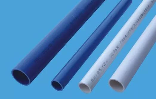 第一、材料的选购,现在大部分工程公司都是采用给水U-PVC管,专用胶黏结。