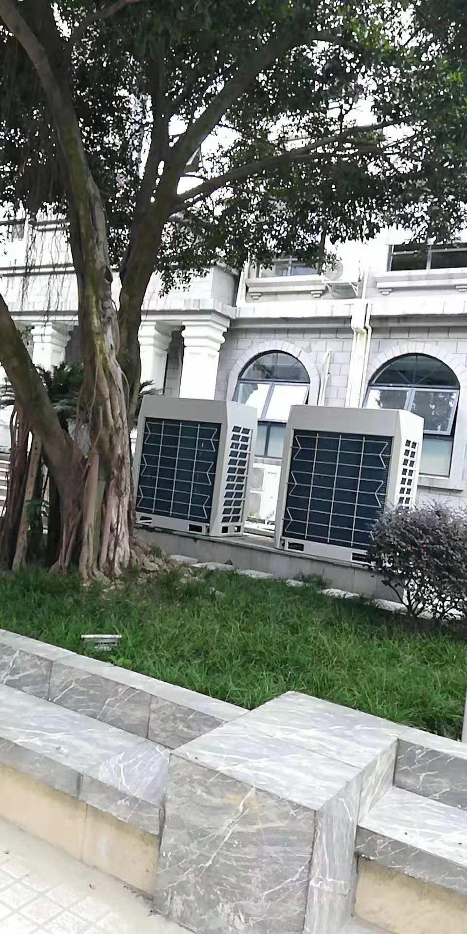 成都石室外语学校附属小学格力风管机吸顶机安装案例