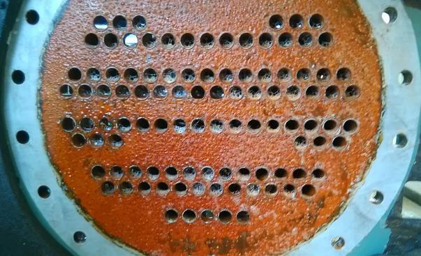 同时端温差>5℃,可确认该换热器壳管结垢