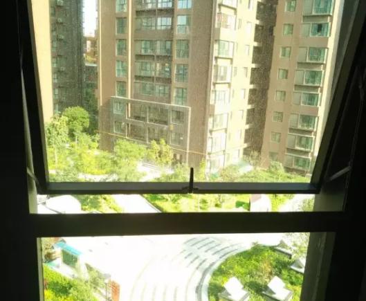 下图为开窗还要开空调