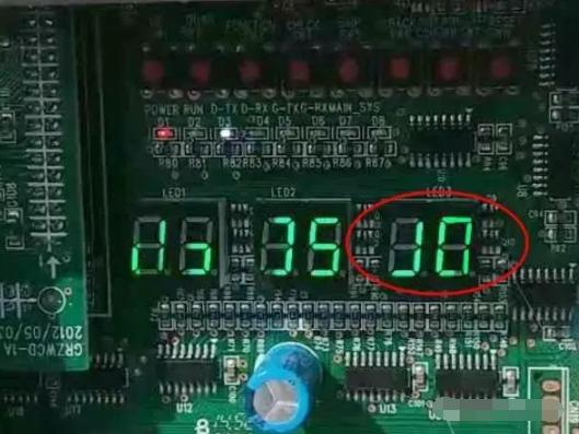"""单机版直流变频多联机尤其是615,调试走到第六步室外机第三个双八数码管显示""""J0"""","""