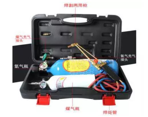 焊接氧气、可燃气体必需有压力表、回火装置。