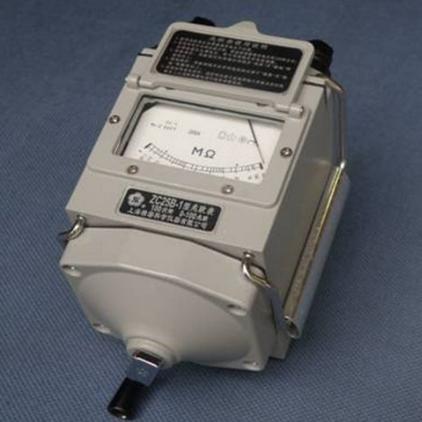 摇表来测量压缩机的对地绝缘。不要拿一个万用表测量压缩机U、V、W之间的阻值;
